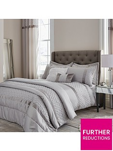 catherine-lansfield-sequin-cluster-bedspread-throw