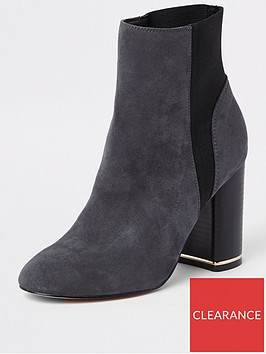 river-island-river-island-faux-suede-block-heeled-boots--grey