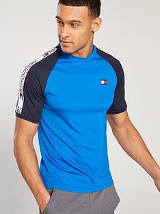tommy-hilfiger-tommy-sport-tape-detail-t-shirt