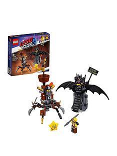 the-lego-movie-2-70836-battle-ready-batmantrade-and-metalbeard