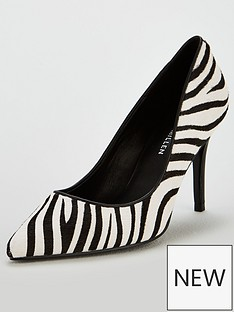 karen-millen-leather-court-shoes-zebra-print
