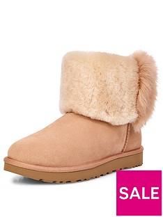 ugg-classic-mini-wisp-boot