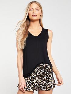 69d100ff300b56 Sleeveless tops   t-shirts for women