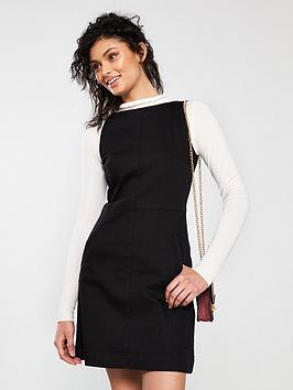 oasis-structured-shift-dress-black