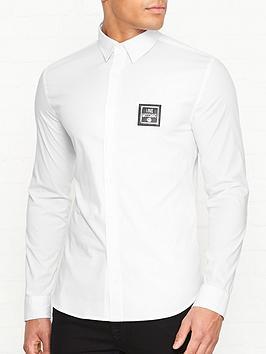 love-moschino-new-plaque-logo-slim-fit-shirt-white