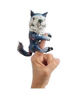 fingerlings-untamed--direwolf-midnight
