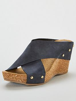 carvela-comfort-sooty-wedge-sandals--nbspnavy