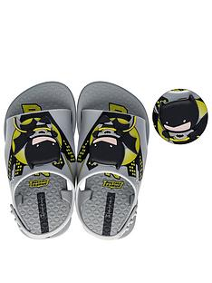 ipanema-baby-justice-league-batman-beach-shoe