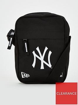 new-era-new-york-yankees-side-bag-black