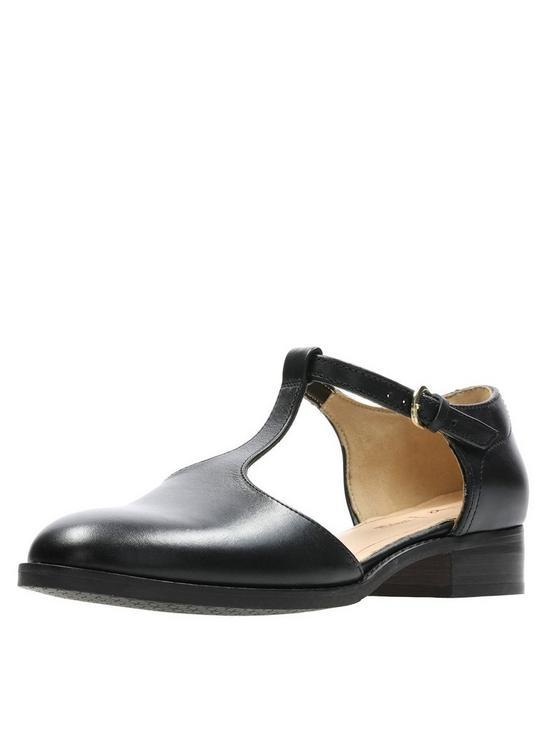 f12383fd6a3e4a Clarks Netley Fresh Flat Shoes - Black