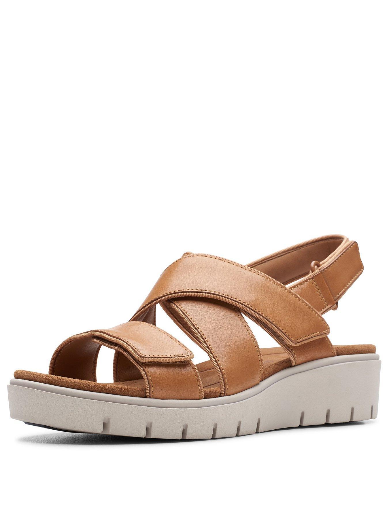 Clarks Unstructured Un Karely Dew Wedge Sandals Tan | very
