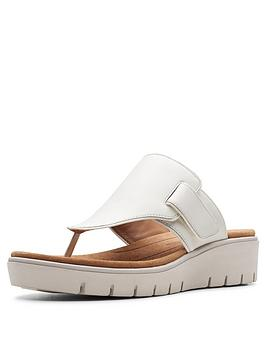 clarks-clarks-unstructured-un-karely-sea-wide-fit-wedge-sandal