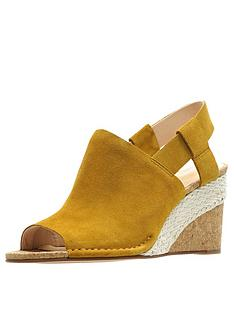 clarks-spiced-bay-wedge-sandals-ochre-suede