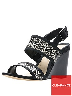 clarks-image-weave-wedge-black