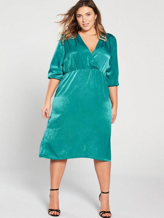 21a7250180165 Girls On Film Curve Ruched Wrap Front Midi Dress - Peacock Green ...