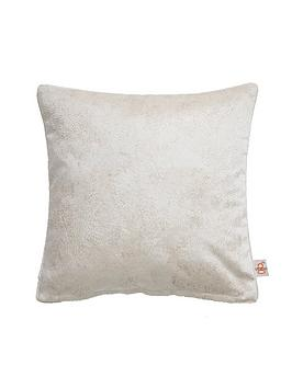 studio-g-navarra-cushion