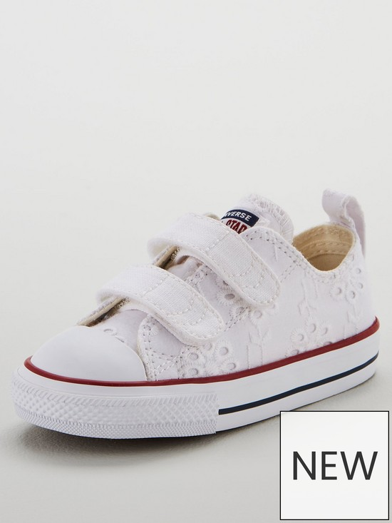 71a5839255d Converse Chuck Taylor All Star 2v Ox Infant Trainers - White/Navy ...