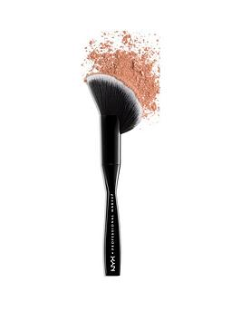nyx-professional-makeup-cant-stop-wont-stop-foundation-brush