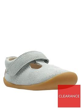 clarks-roamer-go-first-shoes-light-grey