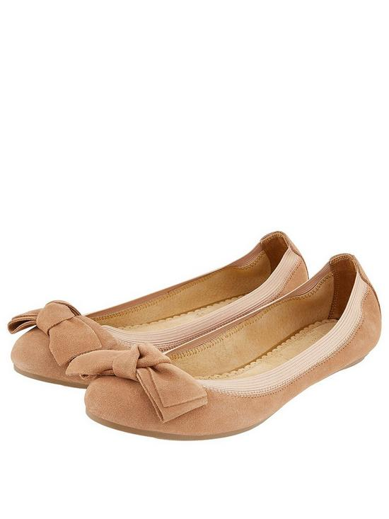 brand new 70df5 354e5 Olivia Suede Bow Ballerina Pumps - Nude