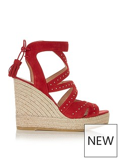 kanna-sofia-cut-out-detail-wedges-red