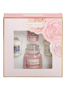 yankee-candle-3-votive-candle-and-1-small-jar-candle-mothers-day-gift-set