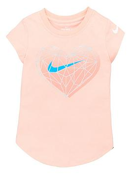 nike-geo-heart-short-sleeve-t-shirt-pink