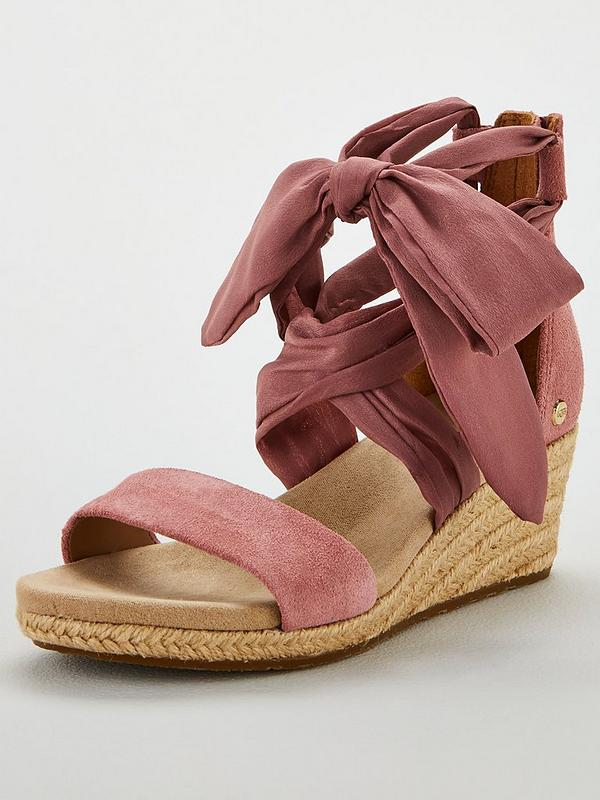 35223487a02 Trina Tie Wedges - Pink