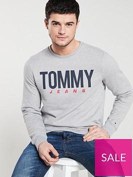 tommy-jeans-essential-logo-crew-neck-sweat-grey