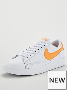 587a88f4ccae Nike Blazer Low LE - White Orange