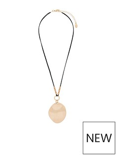 accessorize-statement-stone-cord-metal-disc-pendant-necklacenbsp-gold