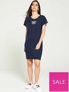 tommy-jeans-graphic-logo-t-shirt-dress-black-iris