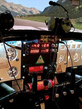 virgin-experience-days-30-minute-cessna-skyhawk-flight-simulator