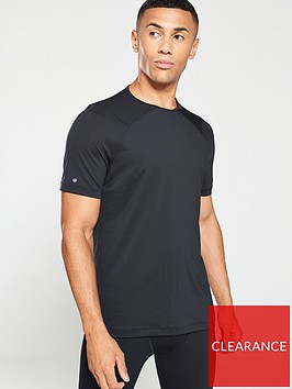 under-armour-rush-short-sleeve-t-shirt-black