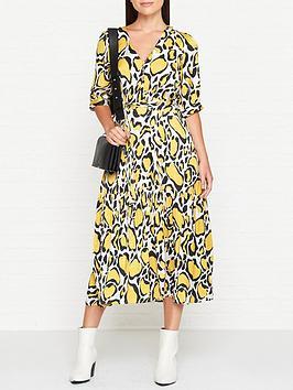 gestuz-midi-smock-dress-yellow