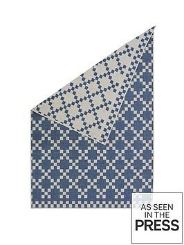 reversible-diamond-flatweave-indooroutdoor-rug