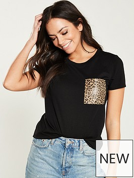 v-by-very-leopard-pocket-t-shirt-black
