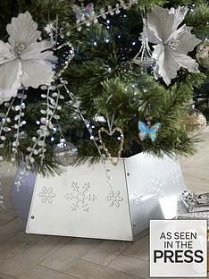 hexagon-shaped-metal-christmas-tree-collar