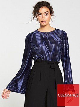 v-by-very-metallic-plisse-bell-sleeve-blouse-midnight