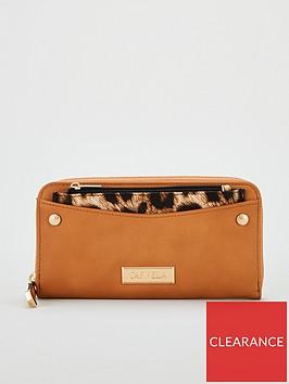 carvela-alia-pocket-detail-wallet-tan