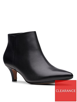 clarks-linvale-sea-wdie-fit-shoe-boot