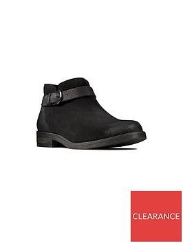 clarks-demi-tone-shoe-boot