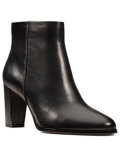 clarks-kaylin-fern-wide-fit-shoe-boot