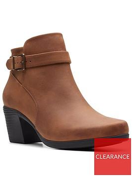 clarks-clarks-unstructured-un-lindel-lo-ankle-boot