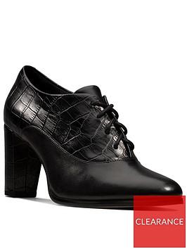 clarks-kaylin-ida-shoe-boot-black