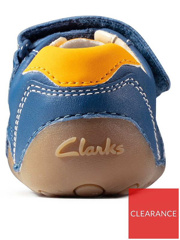 CLARKS pre walker shoes size 3.5G | in