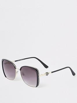 river-island-oversize-sunglasses-black