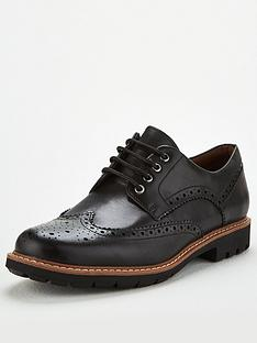 clarks-batcombe-wing-shoe