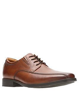 clarks-tilden-walk-shoes-tan