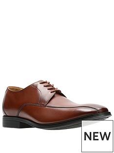 clarks-gilman-mode-shoe